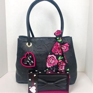 Betsey Johnson Large Heart Bow Tote & Wallet set